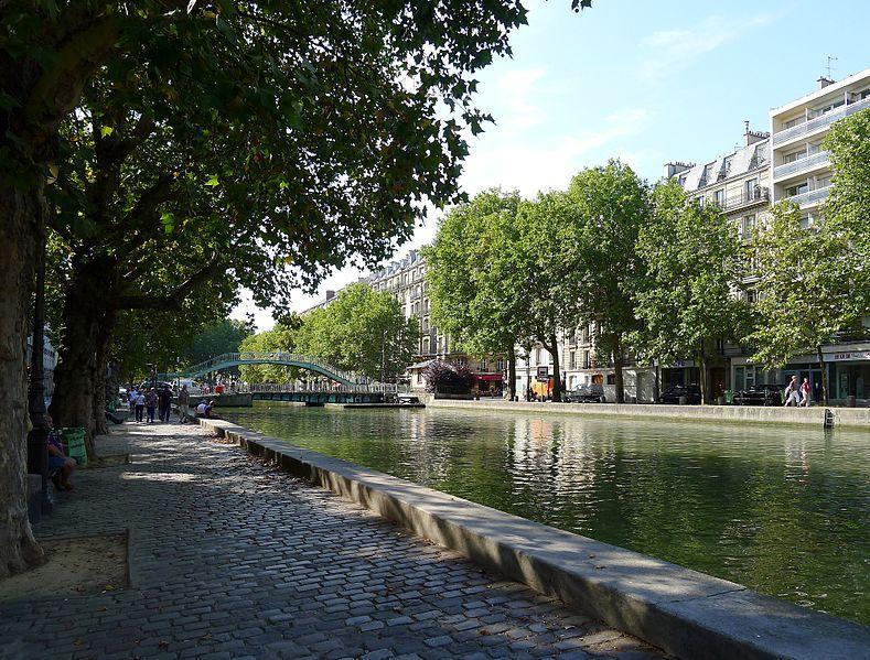 Paris canal Saint-Martin quai de Jemmapes quai de Valmy