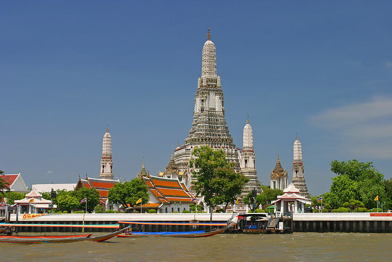 Wat_Arun_from_Chao_Phraya_River