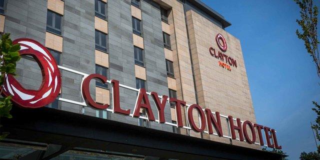 clayton hotel belfast accommodation