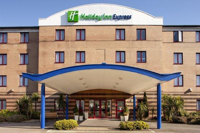 holiday inn express greenock hotels