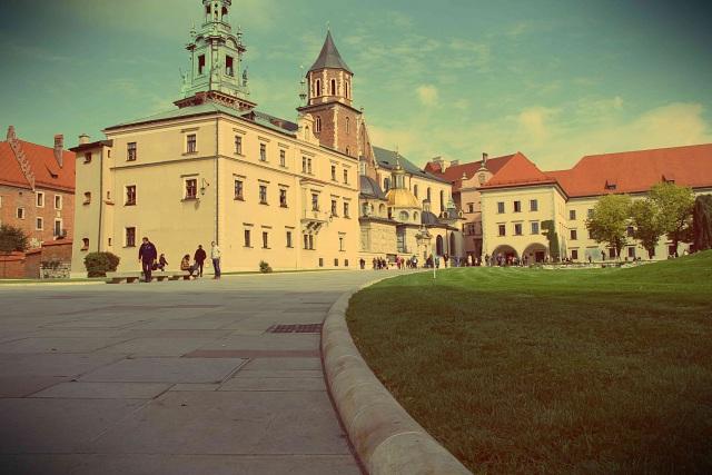 visiting Krakow Poland Wawel Castle Krakow