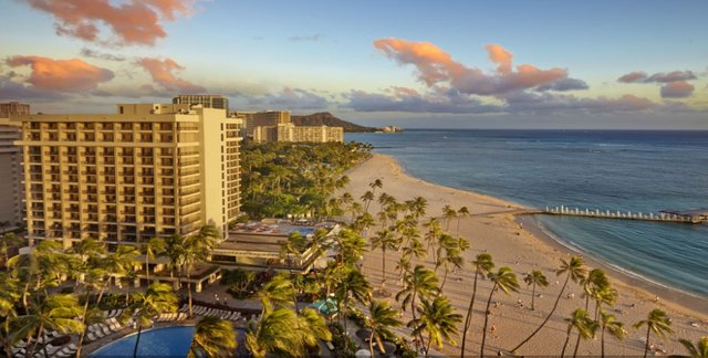 Luxurious Hawaiian Beach Resorts