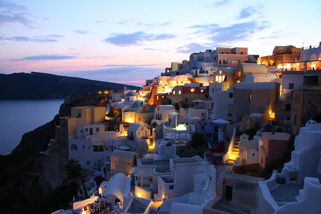 Most romantic destinations in the world includes Santorini in Greece