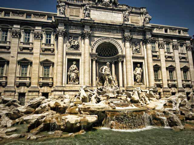 Rome City Break - Trevi fountain