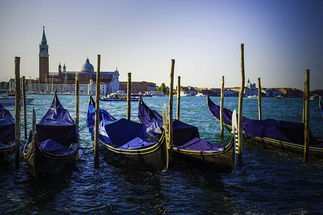 Venice boats - photos of venice
