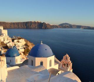 Best Tips on How To Visit Greece's Amazing Santorini Island
