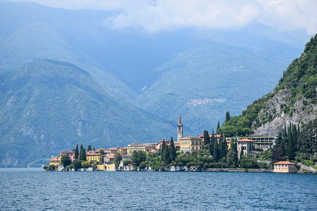 Lake Como and town
