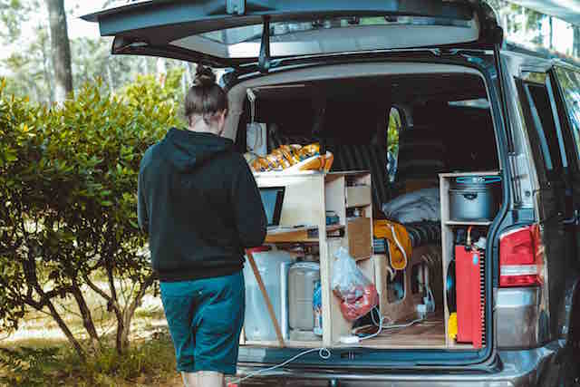 Motorhome packing and unpacking