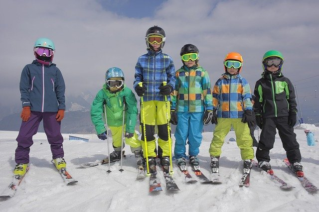 Tips to Plan a Successful 1st Ski Trip For Your Kids