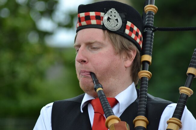 Spellbinding Scottish Traditions That You Need to Explore
