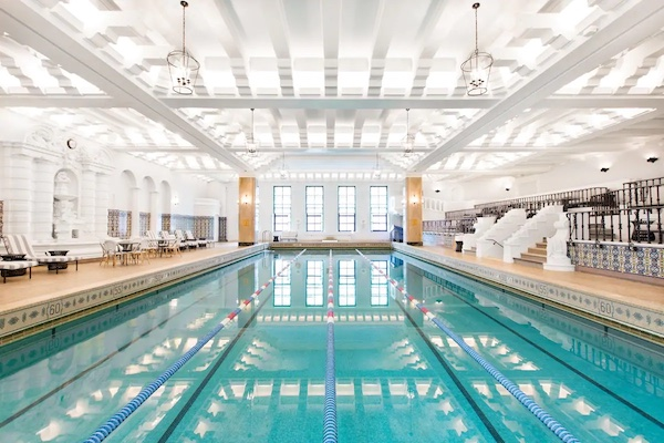 Intercontinental chicago hotels with pools